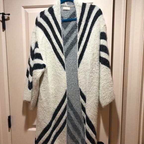 Anthropologie Sweaters - Anthropologie sweater cardigan